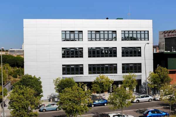 Nuevo edificio clinica Cemtro